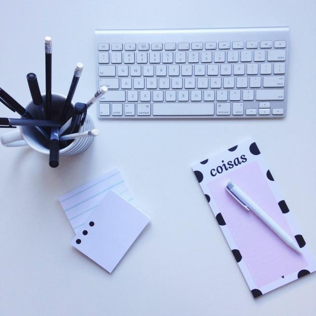 como-organizar-mesa-trabalho-ser-mais-produtivo